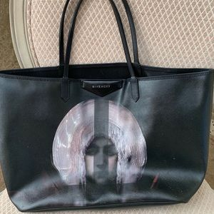 Authentic Givenchy antigona tote bag👜